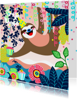 Verjaardagskaart luiaard, slingers en bloemen
