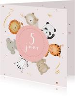 Verjaardagskaart meisje safari dieren in roze