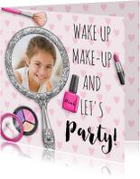 Verjaardagskaart meisje tiener met spiegel make-up