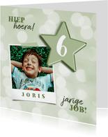 Verjaardagskaart met groene folieballon ster en foto