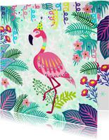 Verjaardagskaart met vrolijke flamingo, slingers en bloemen