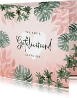 Verjaardagskaart roze jungle botanisch vrouw jarig hartje