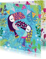 Verjaardagskaart toekan koppel in jungle met confetti