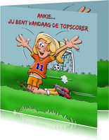 Verjaardagskaart voor voetballend meisje rond de 10 jaar