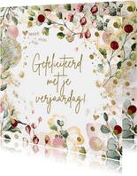 Verjaardagskaart voor vrouw met confetti en bloemen