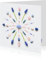 Vriendschapskaart mandala met chalcedoon en blauwe druifjes