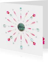 Vriendschapskaart mandala met roze bloemen en edelstenen