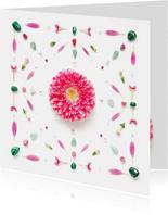 Vriendschapskaart roze bloem en groene edelstenen