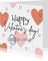 Vrolijke kaart met grote harten en geïllustreerde sleutel