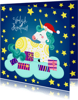 Vrolijke kerstkaart met unicorn op een wolk