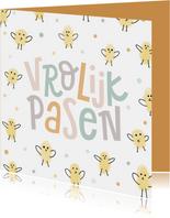 Vrolijke paaskaart met kuikentjes en paaswens