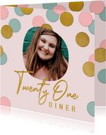 Vrolijke uitnodiging 21 diner confetti, foto en typografie