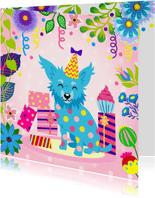 Vrolijke verjaardagskaart met chihuahua, cadeaus en slingers