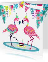 Vrolijke verjaardagskaart met flamingos en slingers