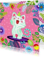 Vrolijke verjaardagskaart met kat en bloemen