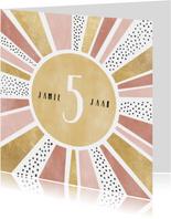 Vrolijke verjaardagskaart met zonnetje & aanpasbare leeftijd