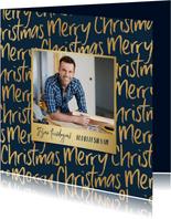 Zakelijke kerstkaart merry christmas goud typografisch foto