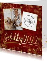 Zakelijke rode nieuwjaarskaart met eigen foto en logo