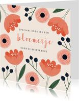 Zomaar kaart vrouw rode bloemetjes door de brievenbus