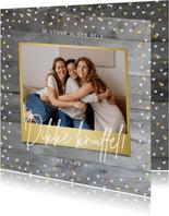 Zomaarkaart knuffel met foto op houtlook en gouden hartjes