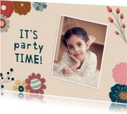 Einladung zum Kindergeburtstag mit Blumen und Foto