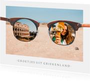 Grappige vakantiekaart met zonnebril met daarin eigen foto's
