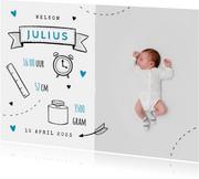 Hip geboortekaartje met doodle illustraties jongen foto