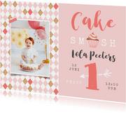 Kinderfeestje 1 jaar meisje cake smash cupcake foto roze