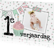 Kinderfeestje confetti slingers foto meisje