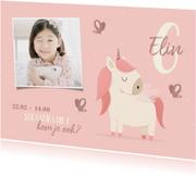 Kinderfeestje uitnodiging met foto, vlinders en unicorn
