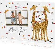 Kinderfeestje uitnodiging tweeling giraf meisje slingers