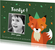 Kinderfeestje vos met confetti in het bos