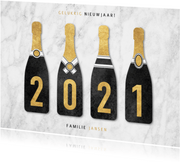 Leuke nieuwjaarskaart champagneflessen met 2021