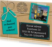 Leuke verhuiskaart met touw op verhuisdoos en eigen foto