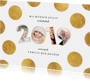 Nieuwjaarskaart stippen met speelse 2019 fotocollage