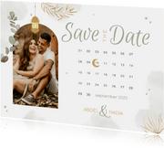 Save the date Trouwkaart Arabisch kalender eucalyptus maan