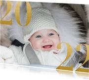 Trendy nieuwjaarskaart met grote foto en gouden 2022