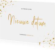 Uitnodiging feestje nieuwe datum met gouden spetters