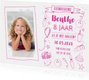 Uitnodiging kinderfeestje bowlen foto roze