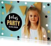 Uitnodiging kinderfeestje foto confetti goud