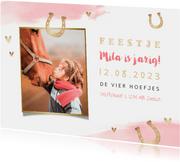 Uitnodiging kinderfeestje meisje paarden paardrijden foto