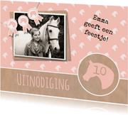 Uitnodiging paardenfeestje rozet