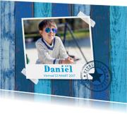 Uitnodiging vormsel foto houtprint blauw