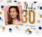Uitnodigingskaart verjaardag 30 vrouw confetti goud hip