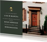 Umzugskarte mit großem Foto und goldenem Haus