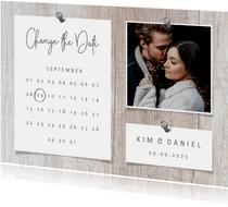 Change-the-Date-Karte zur Hochzeit Foto auf Holz