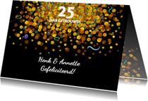 Felicitatiekaart met confetti op zwarte achtergrond