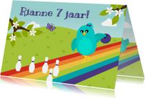 Verjaardagskaarten - Felicitatiekaart voor kind met vogeltje op bowlingbaan
