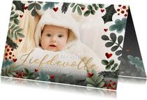 Foto kerstkaart met kersttakjes kader en liefdevolle kerst