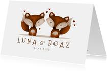 Geboortekaartje tweeling vosjes met hartjes lief